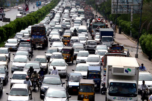 Extreme traffic jam in different areas of Karachi - Business Recorder