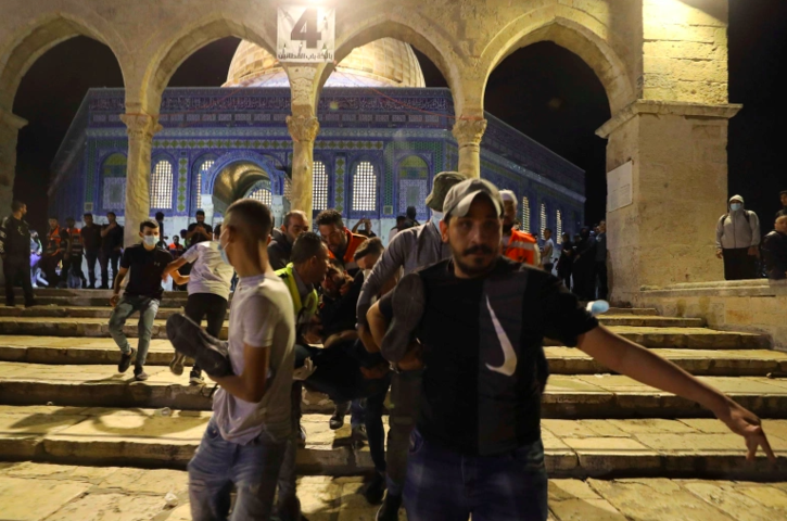Israeli forces attack worshippers in Al-Aqsa Mosque as International community remains silent