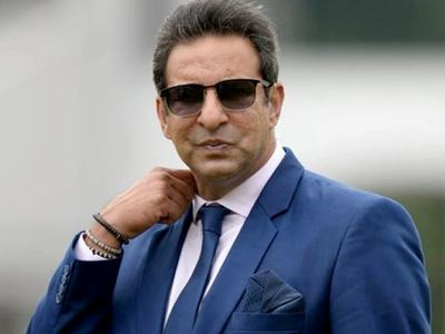 Pakistan's Akram warns saliva ban will make bowlers 'robots'