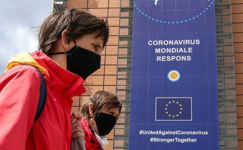 EU experts see some risk of return to lockdown in Covid-19 second wave