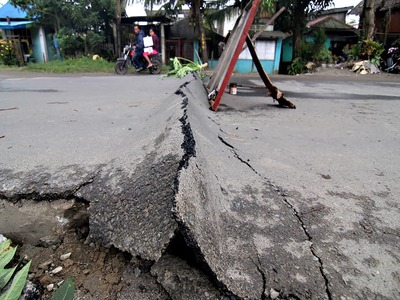 6.7-magnitude quake strikes off coast of Japan