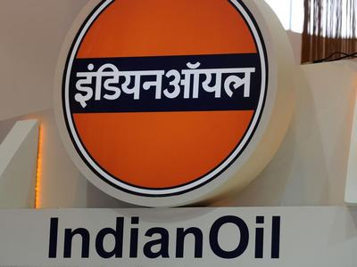 Indian Oil reports first quarterly loss in 4 years after inventory hit