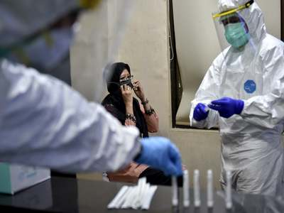 Iran's coronavirus death toll continues to resurge, nears 10,000