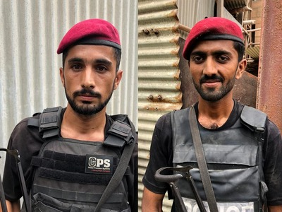 These heroes from the police neutralized terrorists at PSX to save the day