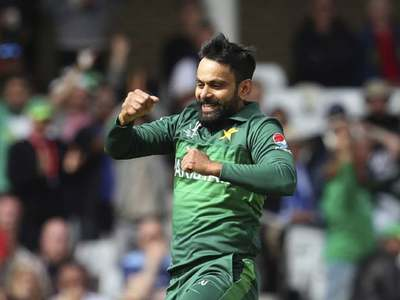 Hafeez, five others test negative for COVID-19