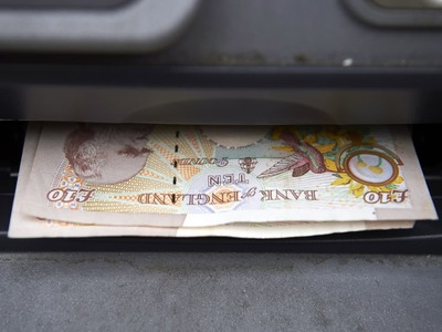 Sterling heads for first weekly win against dollar in four
