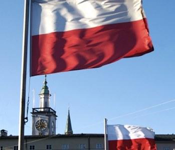 Divided Poland votes