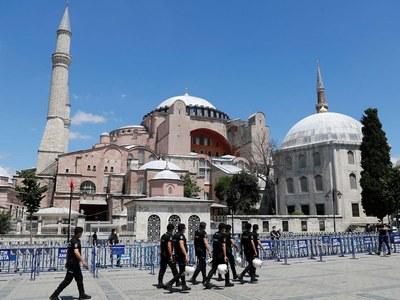 Hagia Sophia will open outside prayer time, says Turkey