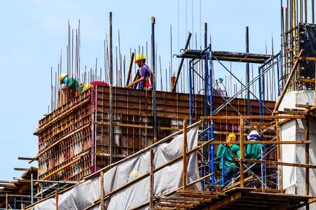 Rs400bn construction projects to be initiated in last quarter