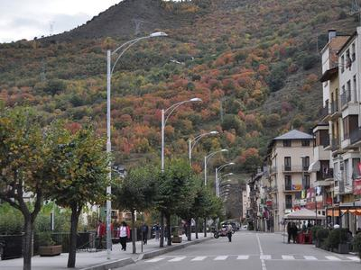 Catalan govt eases lockdown in city of Lerida
