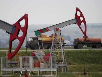 Oil on track for monthly gains as US cuts production