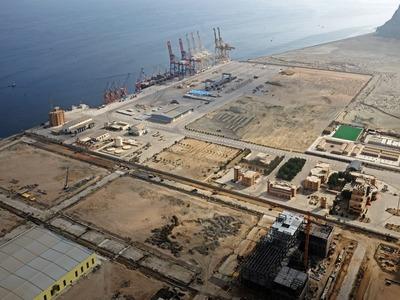 Ship carrying 17000 tons of DAP arrives at Gwadar