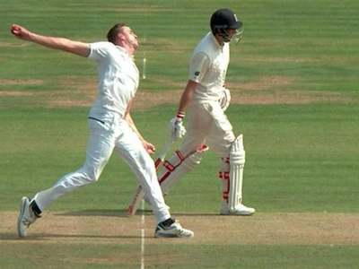 Front foot no-ball technology to debut during England, Pakistan Tests
