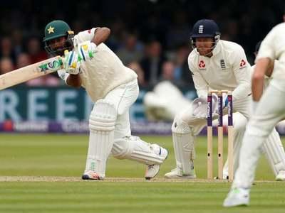 Pakistan win toss, opt to bat against England