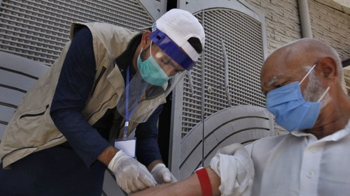 Coronavirus pandemic: 14 deaths, 842 new cases reported in 24 hours across country