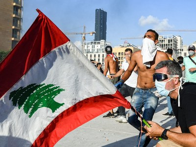 Furious Lebanese vow new protests over deadly mega-blast
