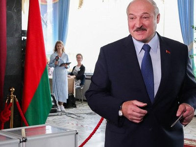 Belarus leader set for overwhelming election win after historic challenge
