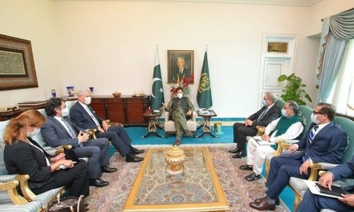 PM urges UNGA to play its role in resolving Kashmir issue