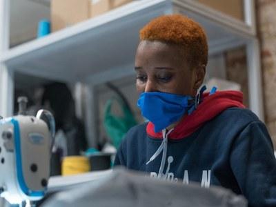 Medical masks best, cotton good, bandanas worse: droplet study