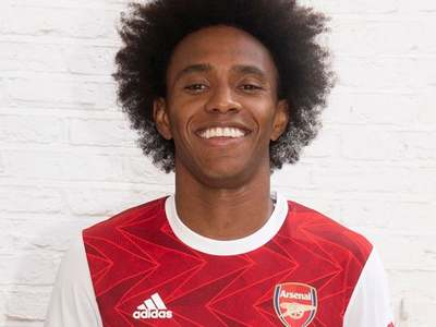Arsenal completes Willian move after Chelsea exit