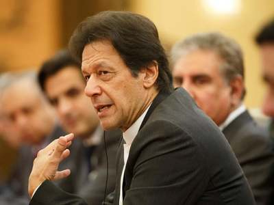 Pakistan's economy 'moving in the right direction', says PM after C/A shows surplus
