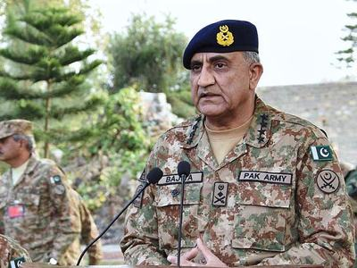 COAS visits troops busy in consolidation operations along Pak- Afghan Border in North Waziristan
