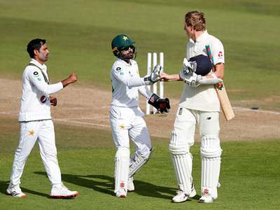 Pakistan players congratulating Crawley was Nasser Hussain's moment of the series