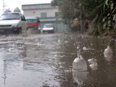 Rising water levels in rivers threaten floods