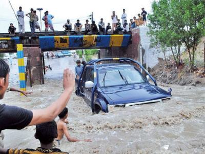 Monsoon downpour plays havoc in interior Sindh, expose poor infrastructure