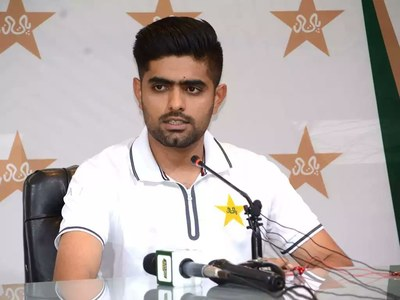 Babar Azam disappointed with bowling performance in second England T20I
