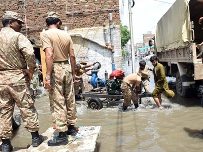 Pakistan Army relief efforts continue with all out support in flood-hit Karachi