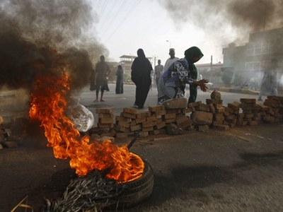 Sudan and rebels meet to implement peace deal