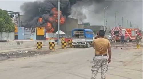 Two dead, oil supply disrupted as PSO oil pipeline catches fire in Keamari