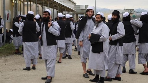 Afghan officials primed for talks with Taliban after deal on prisoners