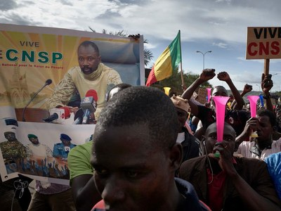 Mali junta launches 'consultation' amid pressure over handover