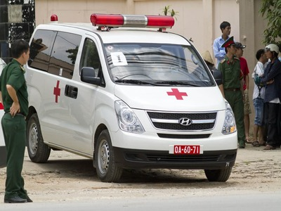 Ambulance hits landmine in southern Mali, killing six