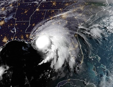 Sally rumbles toward US Gulf Coast, historic flooding possible