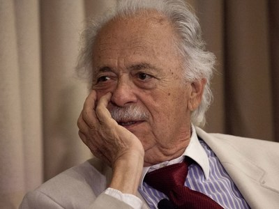 S.Africa bids farewell to 'hero' George Bizos, Mandela's lawyer