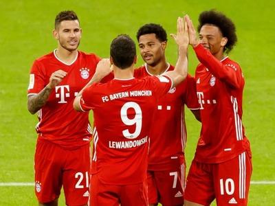 Bayern Munich set Bundesliga record with Schalke rout