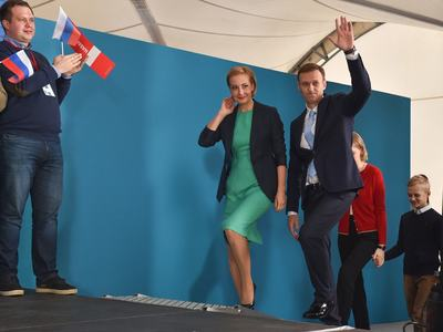 Novichok scientist apologises to Navalny