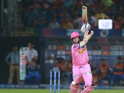 Smith helps Royals down Chennai in IPL feast of sixes