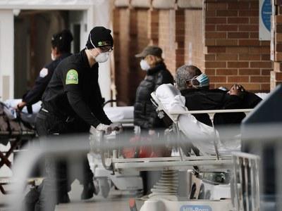 US passes 200,000 virus deaths, weeks before election