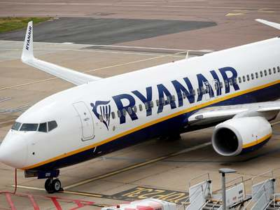 Ryanair to put UK staff on unpaid leave if furlough scheme dropped