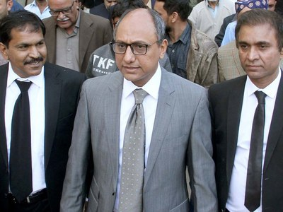 Saeed Ghani visits schools, colleges to monitor SOPs