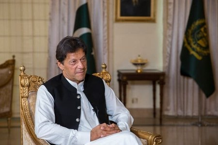 PM Imran decides to expand 'Sehat Sahulat Programme' to 36 districts of Punjab