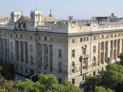 Hungary central bank keeps one-week deposit rate unchanged at 0.75pc