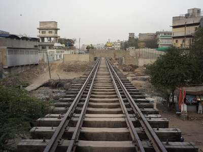 Federal, Sindh govts agree to start trail run of KCR