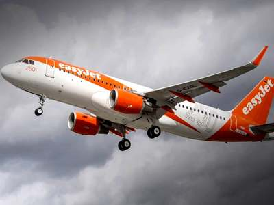 EasyJet warns first ever annual loss could top $1 billion