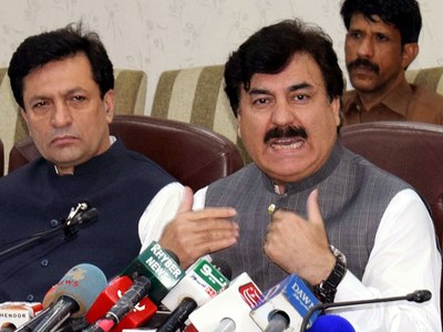 Corrupt opposition is no threat to government: Shoukat Yousafzai
