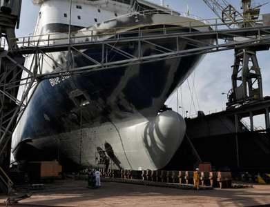 Greece puts historic shipyard up for sale